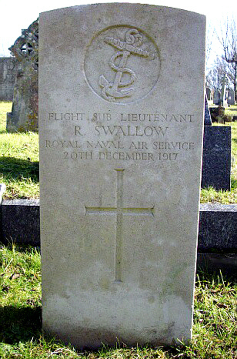Ft Lt Richard Swallow grave Ocklynge Cemetery - Image courtesy of Rosalind Hodges