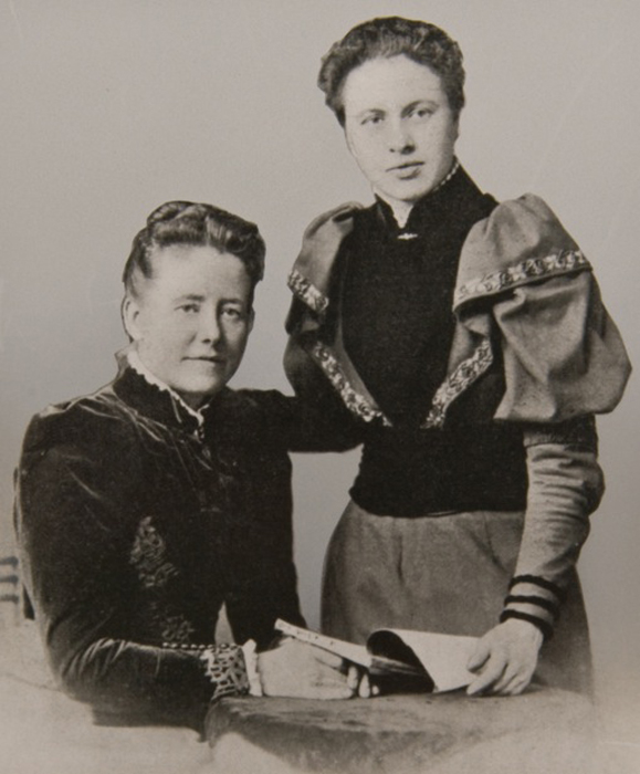 Mrs Emily Ward & Miss Isabel Sharman, founder and the first principal of Norland Institute - Image courtesy of Louise Heren